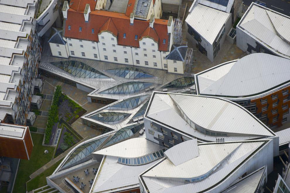 Парламент Шотландии — необычное архитектурное строение